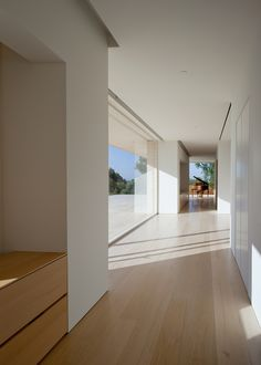 Family house in the hills overlooking  Los Angeles by Architect John Pawson