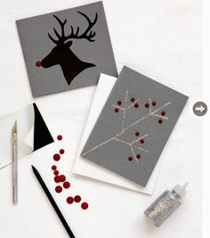 If there& one thing you& going to hand-make this holiday season, avoid the generic store-bought Christmas cards and opt for one of these creative ideas. Most people display their Christmas cards, and yours will be sure to stand out. Diy Holiday Cards, Xmas Cards, Diy Cards, Holiday Crafts, Christmas Hacks, Homemade Christmas, Puffy Paint Crafts, Diy Weihnachten, Sympathy Cards