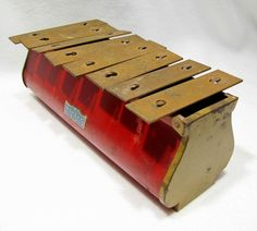 Adorable Vintage Toy Xylophone.