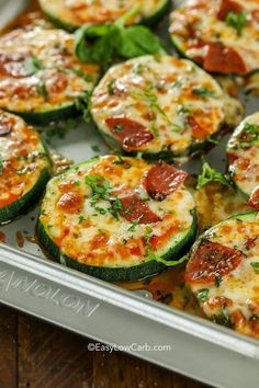 Zucchini Pizza Bites are one of our favorite snacks! These delicious pizza bites. - Zucchini Pizza Bites are one of our favorite snacks! These delicious pizza bites are topped with our favorite toppings and plenty of cheese for the pe. Zucchini Pizza Bites, Zucchini Lasagna, Veggie Pizza, Zucchini Casserole, Zucchini Noodles, Grilled Zucchini, Bean Casserole, Casserole Recipes, Chili Relleno Casserole