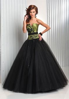 Google Image Result for http://www.weddingzone.org/wp-content/uploads/Party-dress-for-15-years-in-black-with-green1.jpg