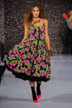 Betsey Johnson Spring 2013 Ready-to-Wear Runway - Betsey Johnson Ready-to-Wear Collection - ELLE