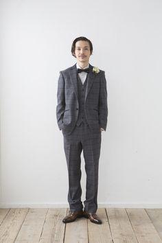新郎タキシード!パンツを変えて、新郎お色直しもありじゃない!細身の黒パンツとかね http://knock-out-wedding.com/blog/