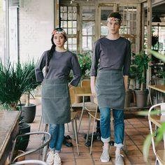 boat-neck washing cotton round tee dark grey - a. Cafe Uniform, Waiter Uniform, Hotel Uniform, Kinfolk Style, Restaurant Uniforms, Uniform Design, Cafe Style, Work Looks, Recital
