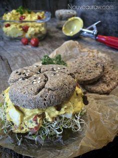 Raw-Dill-and-Onion-Savory-Waffles-&-Buns12