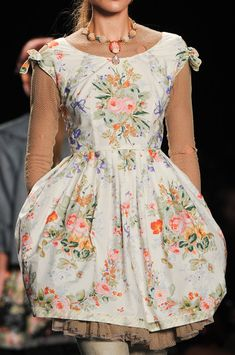 Anna Sui at New York Fashion Week Spring 2013 - StyleBistro