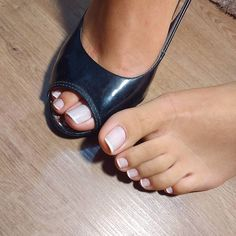 her pretty toes! Pretty Toe Nails, Sexy Nails, Sexy Toes, Pretty Toes, Feet Soles, Women's Feet, Stilettos, Smooth Feet, Nice Toes