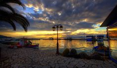 Discover the world through photos. Greeks, Islands, Places To Visit, To Go, Sea, Sunset, Country, World, Building