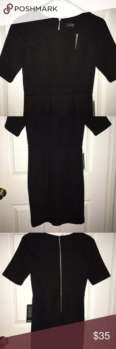 """NWT THE LIMITED Black 3/4 Sleeve Knee Lenght Dress Approximate measurements laying flat: Chest 16.5"""", waist 13"""", hips 21"""", sleeve lenght 10.5"""", overall lenght 35"""". *** I Post Pictures and approximate measurements for your reference only, please do your due diligence. #thelimited #thelimitedbrand #thelimitedapparel #thelimitedblackdress #thelimitedblackcareerdress #littleblackdressszxs #lbdthreequatersleeve #lbdkneelength The Limited Dresses Midi"""