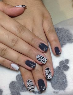 Gray and white nails
