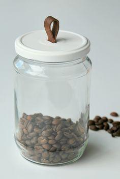 Denne ideen har jeg gledet meg til å dele med dere,    jeg syns nemlig at dette oppbevaringsglasset er så fiiiiint!            ...
