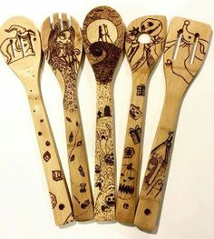 The Nightmare Before Christmas Wood-burned Spoons Set! : The Nightmare Before Christmas Wood-burned Spoons Set! Fall Halloween, Halloween Crafts, Halloween Decorations, Halloween Prop, Halloween Witches, Happy Halloween, Wood Burning Crafts, Wood Burning Art, Jack Skellington