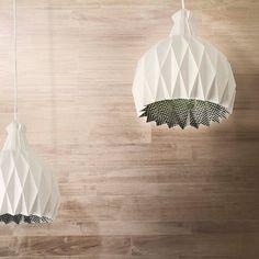 白SHIRO SUSPENSION LAMP by METROCUADRO design made in Italy on CrowdyHouse. #origami #lighting #lamp #modern #white