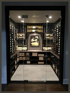 Wine cellar projects are a testament to artistic talent, especially when it comes to racking design.We bring you today some must-try wine racking combos! Wine Cellar Modern, Glass Wine Cellar, Home Wine Cellars, Wine Cellar Design, Wine Cellar Basement, Bar A Vin, Home Bar Designs, Cigar Room, Wine Wall
