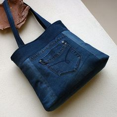 Denim Tote Bags, Denim Handbags, Denim Purse, Sewing Slippers, Blue Jean Purses, Denim Ideas, Denim Crafts, Recycled Denim, Cotton Bag