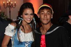 O próximo Dia dos Namorados, comemorado em 12 de junho, tem tudo para ser inesquecível para Bruna Marquezine e Neymar. Não apenas por comemorarem pela primeira vez essa data juntos, mas pelo lucro que vem por aí, afinal, o casal é o favorito do merca