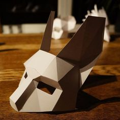 These plans enable you turn any recycled card into a 3D Low Polygon Rabbit Half Mask. Just print the templates on paper, stick them to card, cut them out, match