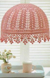 Hobby lavori femminili - ricamo - uncinetto - maglia: coprilampadario