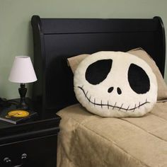 Nightmare Before Christmas pillow from Oogie Boogie Halloween Sewing Projects, Halloween Diy, Happy Halloween, Halloween Decorations, Holidays Halloween, Christmas Decorations, Christmas Bedroom, Christmas Pillow, Christmas Crafts