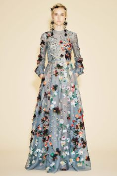 A new approach to embroidery #resort2016 #valentino