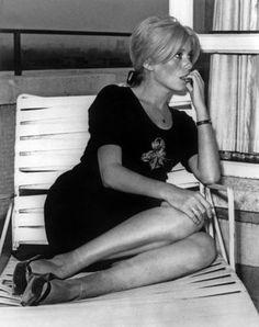 Catherine Deneuve born in Paris. Catherine Deneuve, Nostalgia, Christian Vadim, French Actress, Schneider, Brigitte Bardot, Classic Beauty, Classic Hollywood, Movie Stars