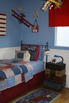 Get inspired with these aviation themed decorations and furnishings to create an unique kids' room.
