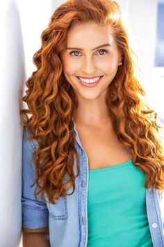 Headshot Poses, Actor Headshots, Headshot Photography, Pretty Redhead, Redhead Girl, Natural Redhead, Brunette Beauty, Gorgeous Eyes, Ginger Hair