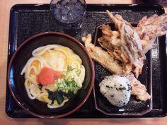 [SanukiUdon]麺通団の讃岐うどんは太麺でコシがあるタイプ。日本の香川県のうどんです。