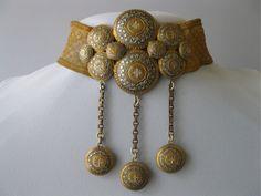 Victorian Dangle Collar