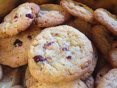 Urmelis weiße Schokolade - Cranberry - Haferflocken - Cookies, ein raffiniertes Rezept aus der Kategorie Kekse & Plätzchen. Bewertungen: 98. Durchschnitt: Ø 4,6.
