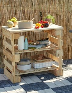 Diy make a connection with wooden pallets. Diy Pallet Furniture, Diy Pallet Projects, Garden Projects, Wood Projects, Outdoor Furniture, Pallet Couch Outdoor, Garden Furniture, Garden Ideas, Palette Diy