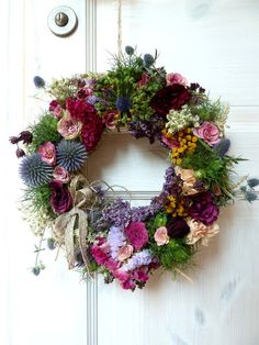 Wreath Crafts, Diy Wreath, Flower Crafts, Door Wreaths, Dried Flower Wreaths, Dried Flowers, Seasonal Decor, Fall Decor, Beautiful Flower Arrangements