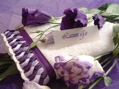 Toalla bordada en cinta LAZOS GE modelo Belén violeta