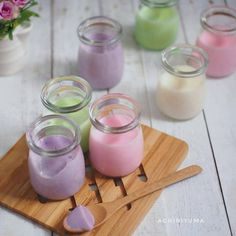 Resep silky puding © 2020 brilio.net Pudding Desserts, Pudding Recipes, No Bake Desserts, Donut Recipes, Snack Recipes, Snacks, Silky Pudding, Indonesian Desserts, Sweet Stories