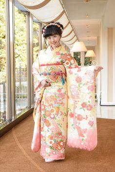 Three Sisters, Female Athletes, Japanese Girl, Traditional Dresses, Asian Woman, Honda, Kimono, Clothes, Beauty