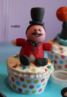 Modelado fondant - Animador de circo ~ Pasteles de colores