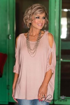 Fashion For Women Over 40, 50 Fashion, Pink Fashion, Fashion Outfits, Fashion Trends, Fashion Women, Estilo Casual Chic, Looks Style, My Style