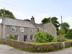 The Old Vicarage, Germoe: Holiday cottage for rent. View 20 photos, book online with traveller protection with the manager - 3955221 Holidays In Cornwall, Old Things, Cottage, Cabin, Explore, Stone, House Styles, Book, Photos
