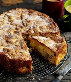 Debbie Major's Chunky Apple, Raisin, Walnut & Cider Cake / DEL