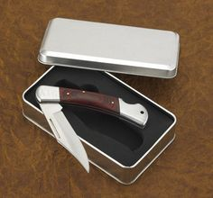 Personalized Yukon lock back pocket knife. This rugged pocket knife comes in a stylish gift box and will make great wedding gifts for your groomsmen,ushers  or the best man.