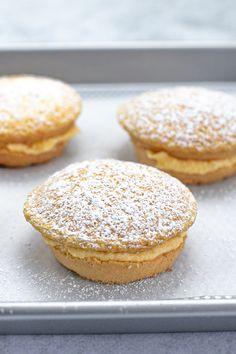 Mini Pie Recipes, Baking Recipes, Snack Recipes, Dessert Recipes, Desserts, Easy Recipes, Sponge Cake Easy, Sponge Cake Recipes, Australian Food