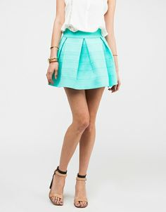 The perfect skirt. I want it many times.