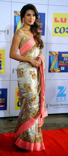 Indian Bollywood actress Priyanka Chopra attends the Zee Cine Awards ceremony in Mumbai. Bollywood Saree, Indian Bollywood, Bollywood Fashion, Indian Sarees, Bollywood Actress, Priyanka Chopra In Saree, Actress Priyanka, Indian Dresses, Indian Outfits
