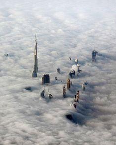 Dubai Dubai City, Dubai Skyscraper, Dubai Uae, Dubai Hotel, Photographie New York, Voyage Dubai, Monumental Architecture, Photo Voyage, Cloud City