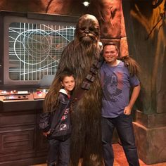 One last day and we got to Meet Chewbacca .. He gave us a big hug and he even gave Cameron trouble for his choice of jacket.. It was awesome!!!!! #chewiewerehome #disneyland #seasonoftheforce #chewbacca #starwars #georgefamilyadventure #disneylandannualpassholder by p_robg