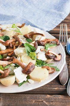 Vuohenjuusto-perunasalaatti, resepti – Ruoka.fi