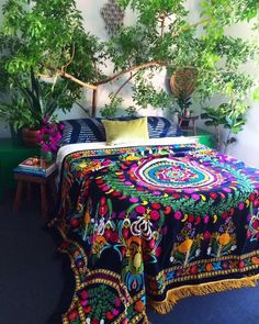 The Bohemian Home Decor Trap Bohemian Bedroom Decor Bohemian Decor Home Trap Bohemian House, Bohemian Bedroom Decor, Bohemian Style Bedrooms, Mexican Bedroom Decor, Modern Bohemian, Hippie Bohemian, Boho Decor, Deco Boheme Chic, Boho Chic