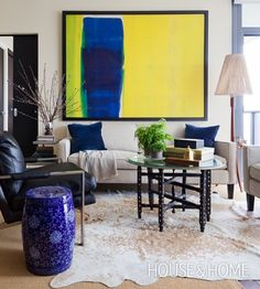 Modernist Living Room   Designer Sean Ward   Photographer Donna Griffith   #houseandhome #livingroom #decorating #sofa #artwork