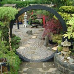 Amazing Moongate Garden Ideas 90