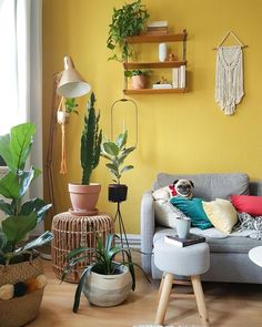 Wohnzimmer ♡ Wohnklamotte This is where color comes in! In MelanieHank's boho living room, the yello Tiny Living Rooms, Colourful Living Room, Boho Living Room, Yellow Accent Walls, Shower Tile Designs, Bohemian Bedroom Decor, Accent Wall Bedroom, Living Room Accents, Home Decor Kitchen